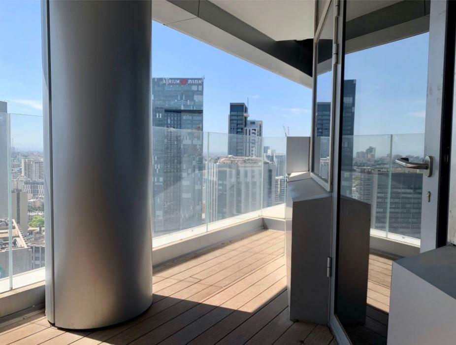 מגדל ספיר IB נכסים 100 מר להשכרה ומרפסת 15 מ